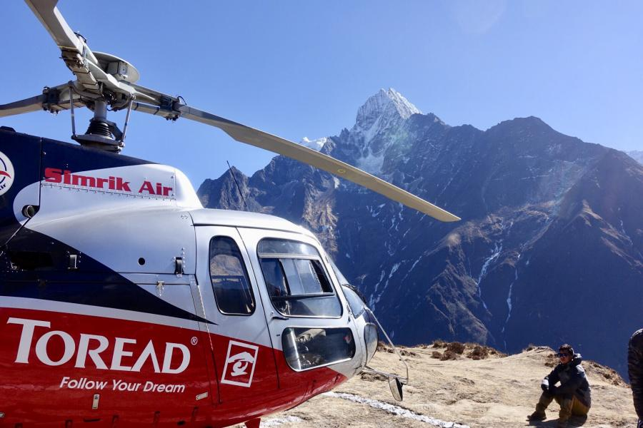 エベレストベースキャンプヘリコプターツアー